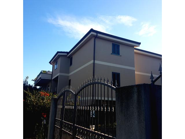 Siderno - Vendesi Appartamento in Centro con Garag