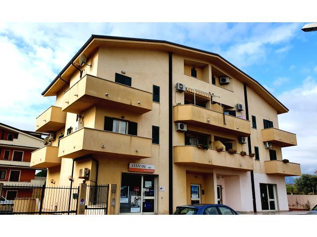 Siderno centro - Vendesi Appartamento 3 Camere e 2